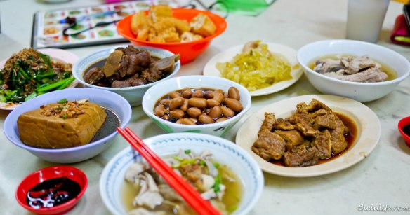 Bak kut teh dishes